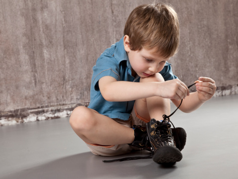 Lacet enfant dyspraxie psychomotricité
